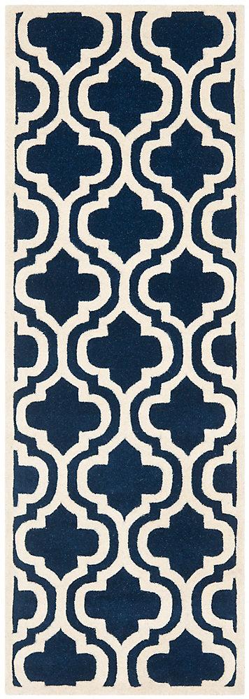 Tapis de passage d'intérieur, 2 pi 3 po x 9 pi, Chatham Robin, bleu foncé / ivoire