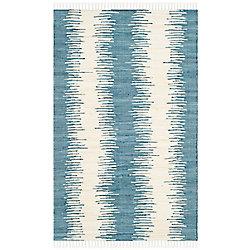 Safavieh Montauk Nelson Blue 2 ft. 6 inch x 4 ft. Indoor Area Rug