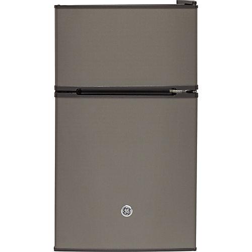 18.75 Réfrigérateur compact de 18,75 po W 3,1 pi3,1 pi3 en ardoise, ENERGY STAR®.