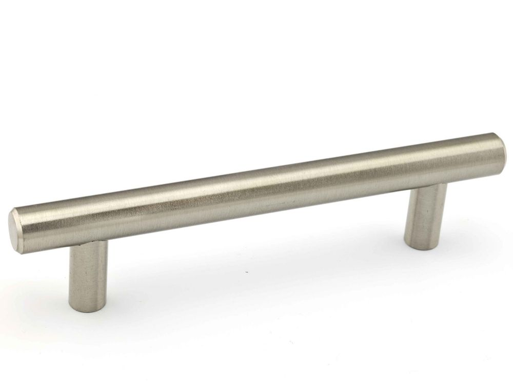 Richelieu Contemporary Metal Pull 4 1/4 in (108 mm) CtoC - Brushed Nickel  - Roosevelt Collection