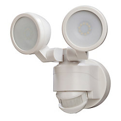Defiant 180 degré de mouvement blanc activé extérieur intégré LED Twin tête Flood lumière