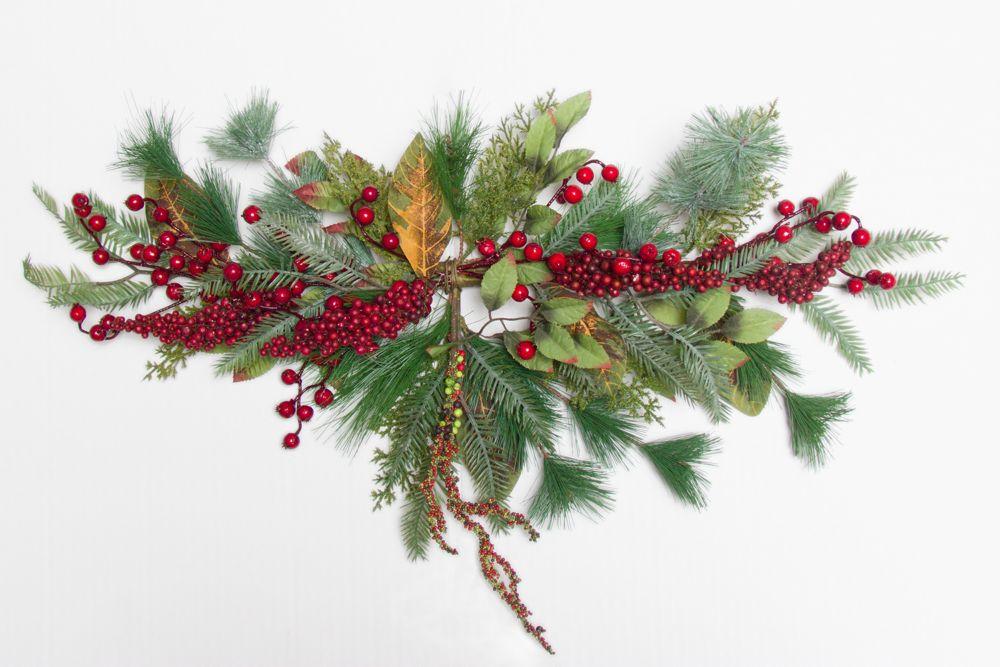 Henryka Decorated Christmas Swag