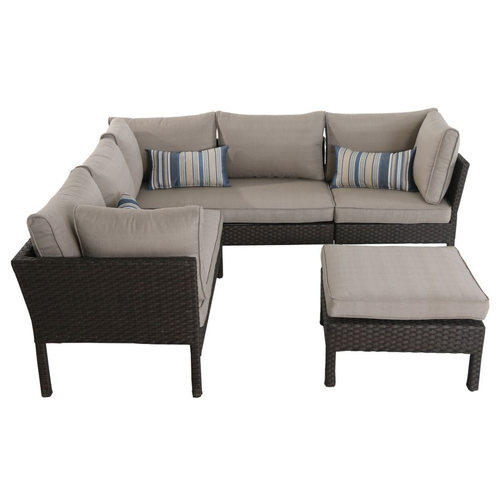 Hampton Bay Deerfield Wicker Patio Daybed The Home Depot