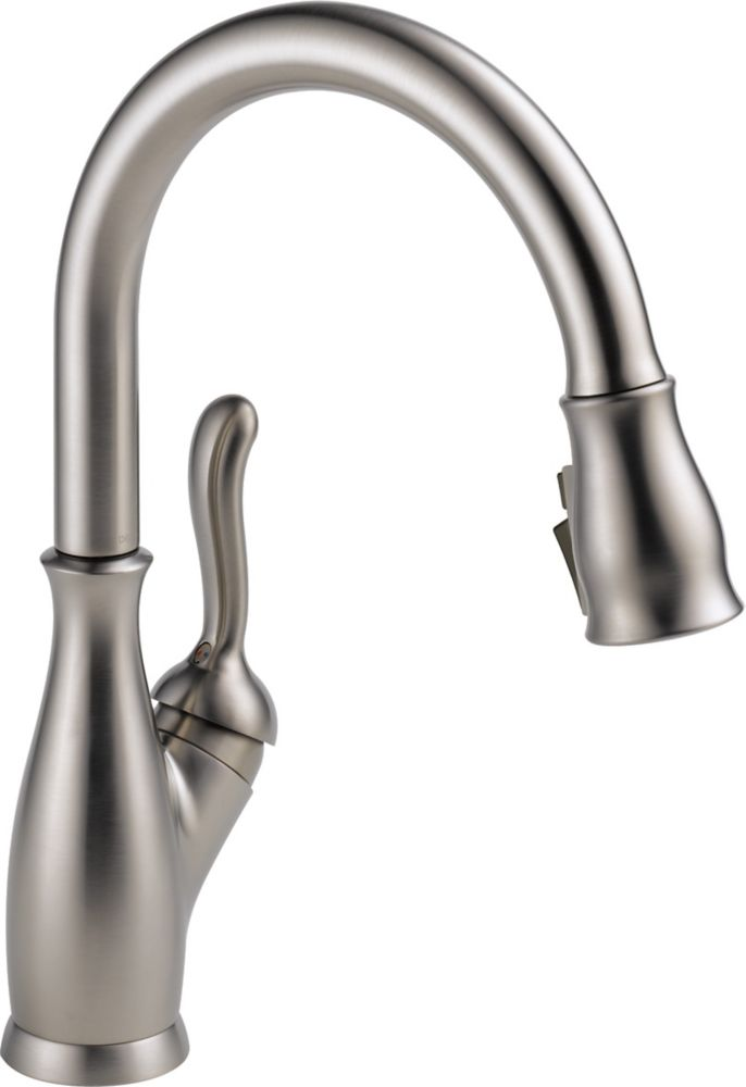 Delta Leland Single-Handle Pull-Down Sprayer Kitchen Faucet