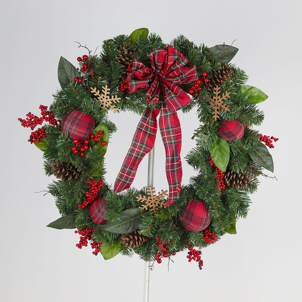 Midnight Twinkle 30-inch 50 Warm White LED-Lit Christmas Wreath