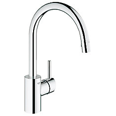 Concetto Single-Handle Pull-Out Sprayer Kitchen Faucet in StarLight Chrome