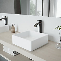 Ensemble de vasque de salle de bains en pierre Dianthus de  et robinet au fini bronze antique brossé Linus