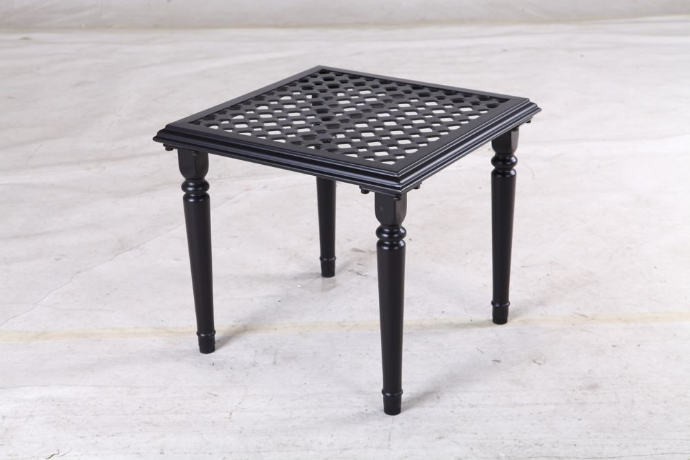 Hampton Bay Laurel Oaks Steel 20 inch Accent Table