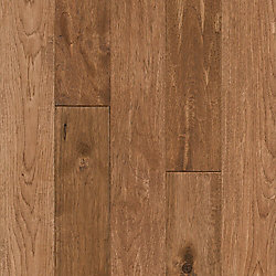 Bruce Hickory Rich Doeskin 3/4-inch T x 5-inch W x Varying L Solid Hardwood Flooring (23.5 sq. ft. / case)
