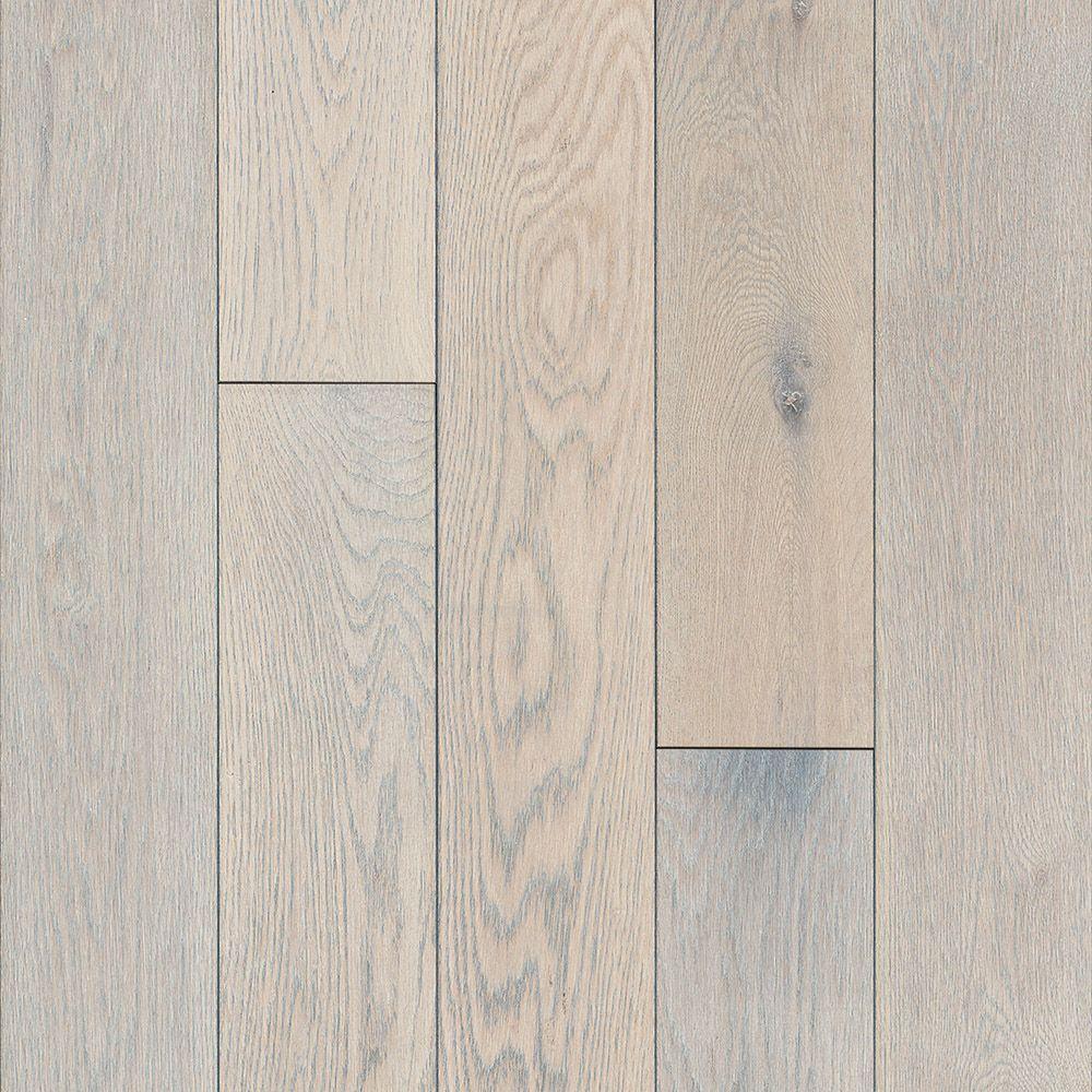 Bruce Oak Endless Summer 3/4-inch T x 5-inch W x Varying L Solid Hardwood Flooring (23.5 sq.ft./ case)