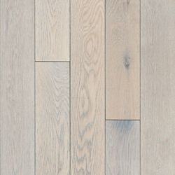 Bruce Oak Endless Summer 3/4-inch T x 5-inch W x Varying L Solid Hardwood Flooring (23.5 sq.ft./ case)
