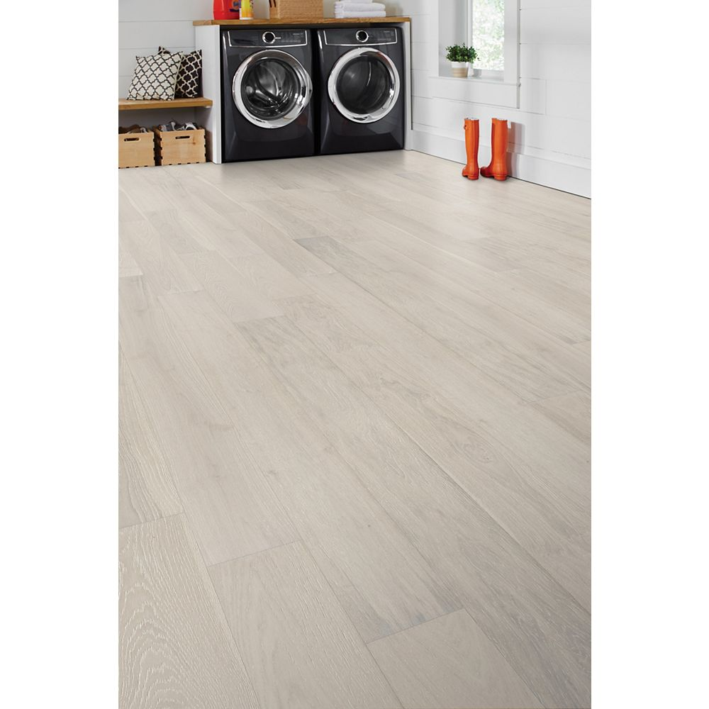 Home Decorators Collection 6 5 Inch X 1 2 Inch Ashville Oak Click Engineered Hardwood Floo The Home Depot Canada