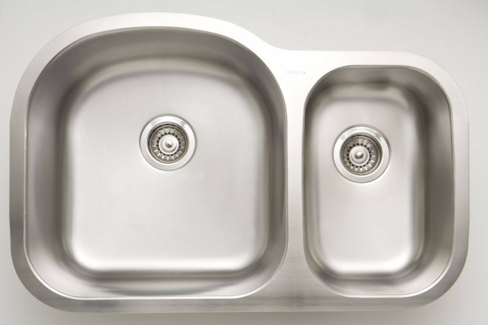 American Imaginations 31.5-inch W 70/30 Double Bowl Undermount Kitchen Sink For a Wall Mount Drilling