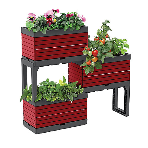 Raised Garden Beds & Elevated Planters