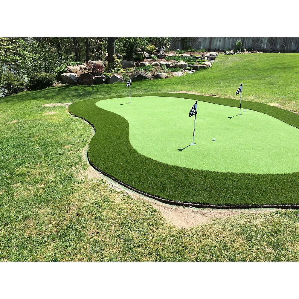 Greenline Putting Green 56 1ft x15 ft .