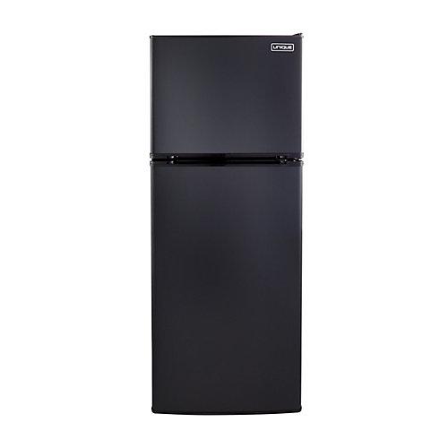 Réfrigérateur noir de 10,3 pieds cubes avec congélateur au haut fonctionnant à l'énergie solaire