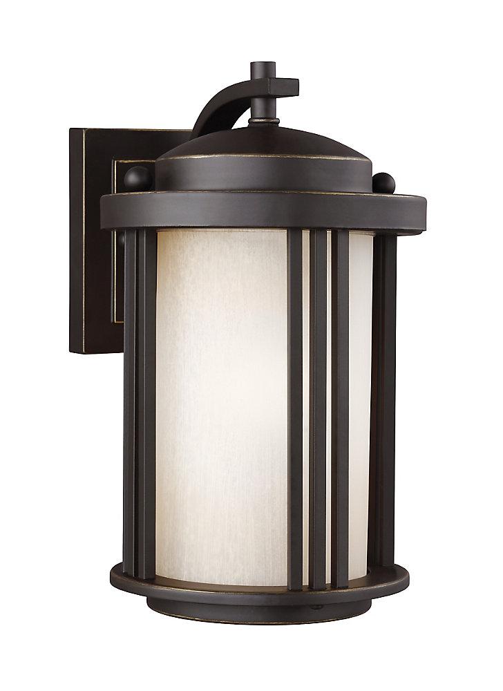 Lumière Crowell fixée au mur à une ampoule avec abat-jour blanc, Fini bronze - 6 inches