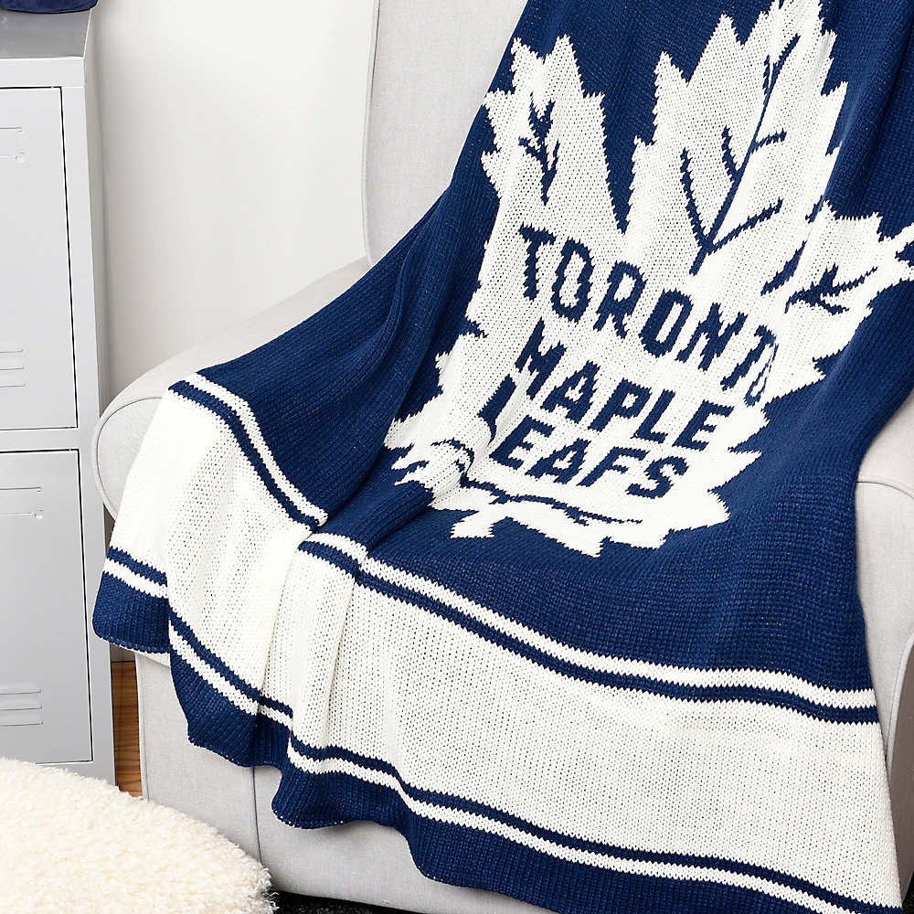 finest selection 0f071 64e74 Toronto Maple Leafs Sweater Knit Throw