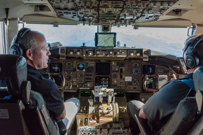 B757 Cockpit