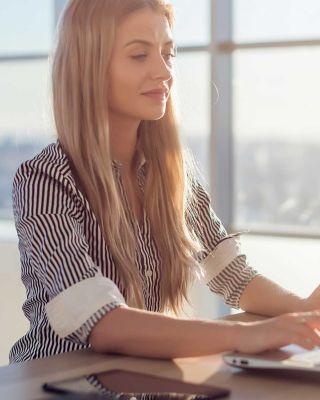 Blogs Woman Laptop