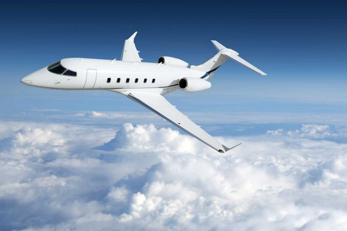 AeroBT-s_758054764_private-jet-in-sky_2880x1440.jpg