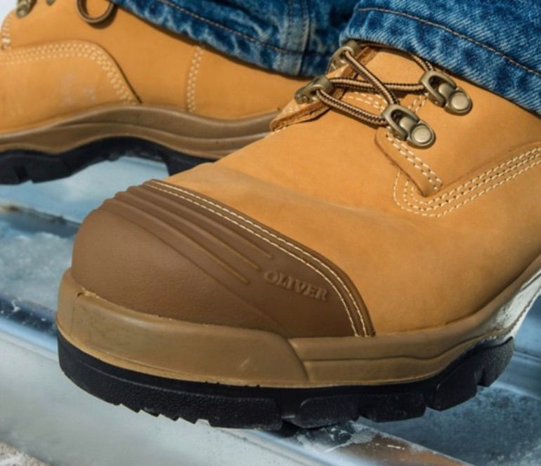 Work Boots & Protective Footwear | Honeywell Industrial Safety