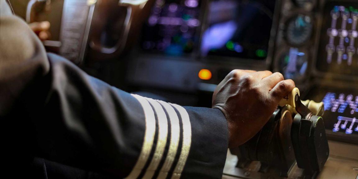 Pilot Hand