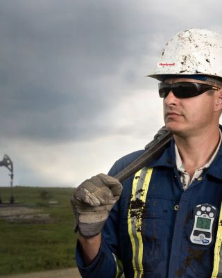sps-safety-services-gas-detection-management-connext-gas-monitoring-hero-desktop