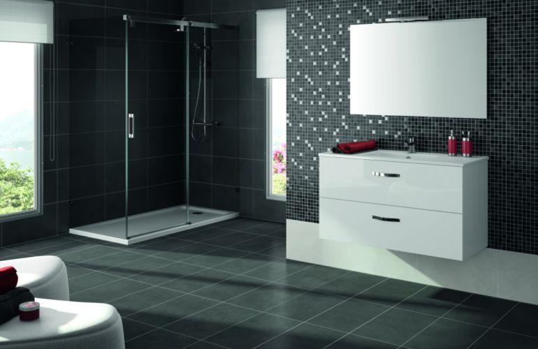 Quel carrelage choisir pour agrandir une salle de bains?