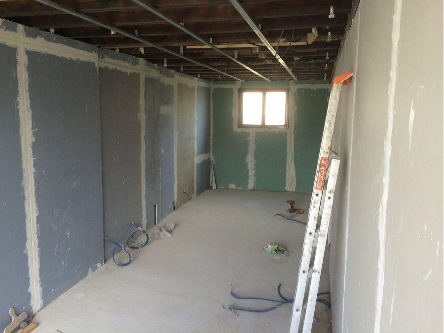 La construction d'une salle de bains à partir d'un ancien garage