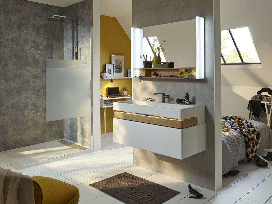 Une salle de bains lumineuse aux couleurs chaude pour une ambiance cocooning