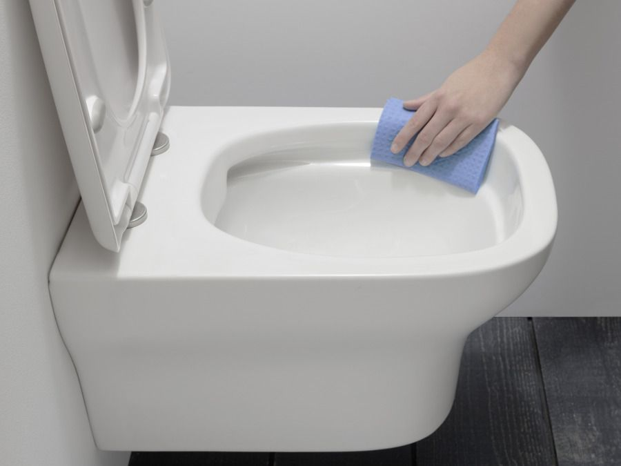 WC avec cuvette sans bride pour un nettoyage plus facile