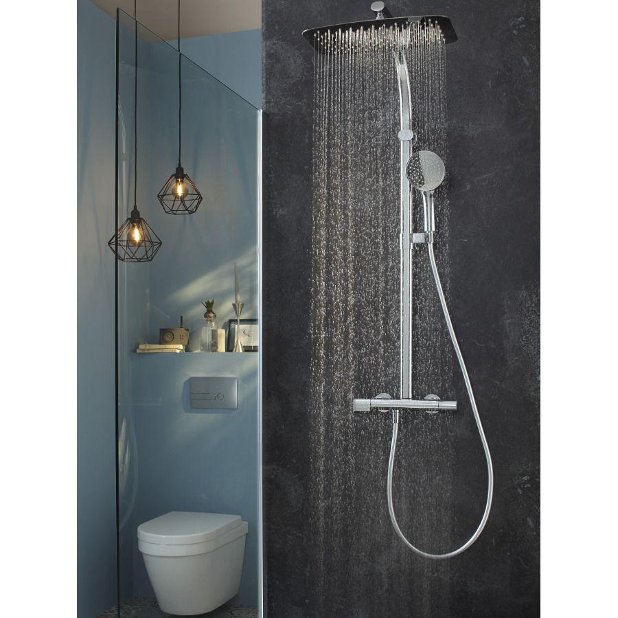 Une colonne de douche Jacob Delafon, un robinet économe