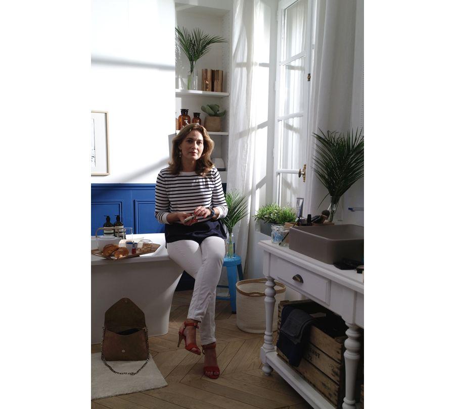 Olivia, l'éditorialiste du magazine Elle nous montre sa salle de bains Jacob Delafon
