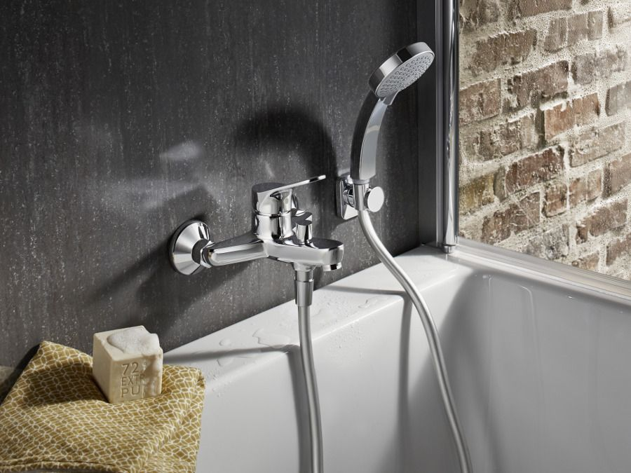 Le mitigeur mécanique comme robinet de bain
