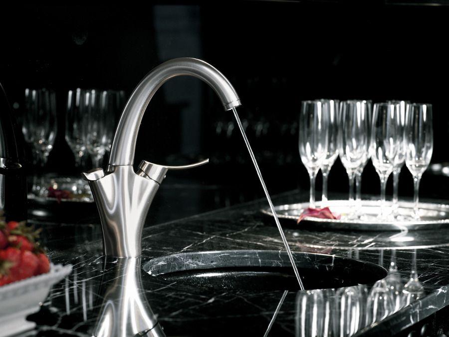 Le robinet de cuisine Carafe