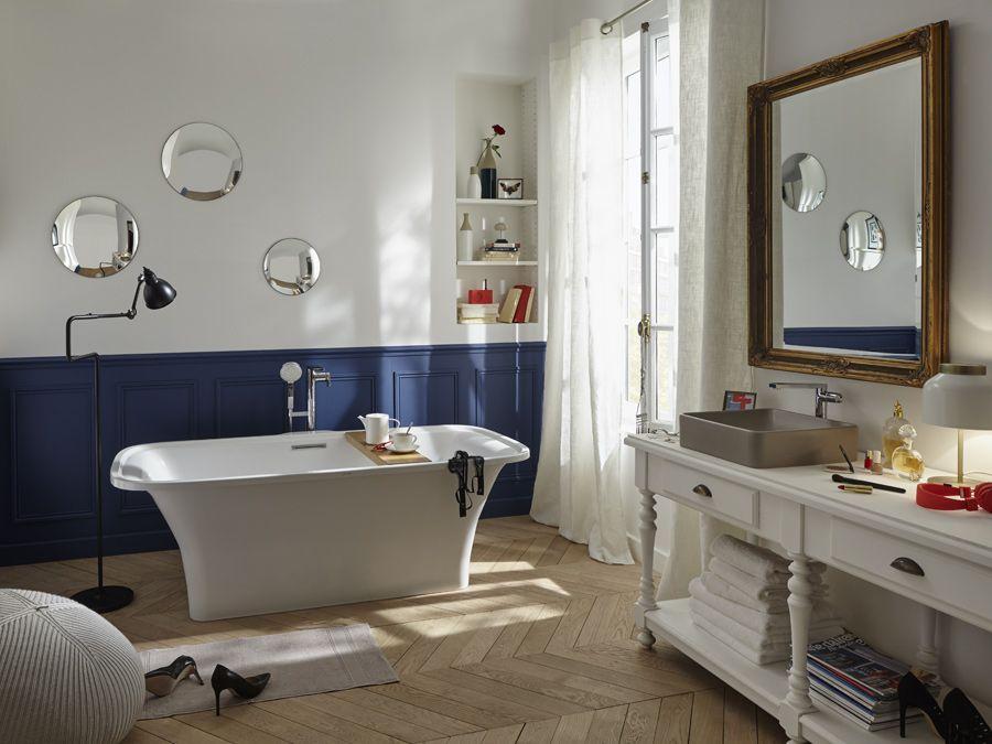 Une salle de bains qui représente l'aude, l'irrévérence et l'élégance