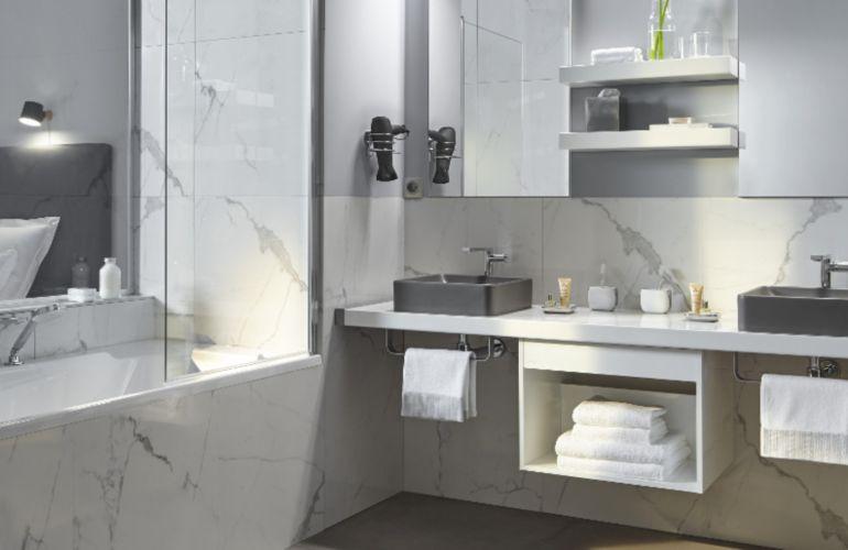 Du marbre dans la salle de bains ? On dit oui !
