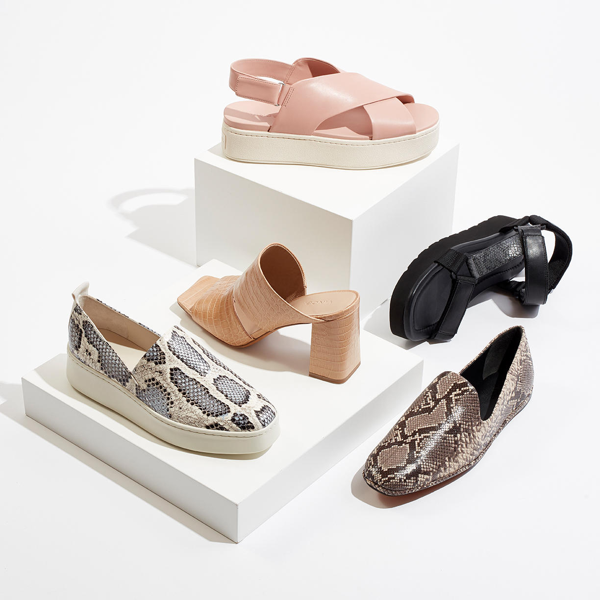 Contemporary Shoes for Her Up to 60% Off
