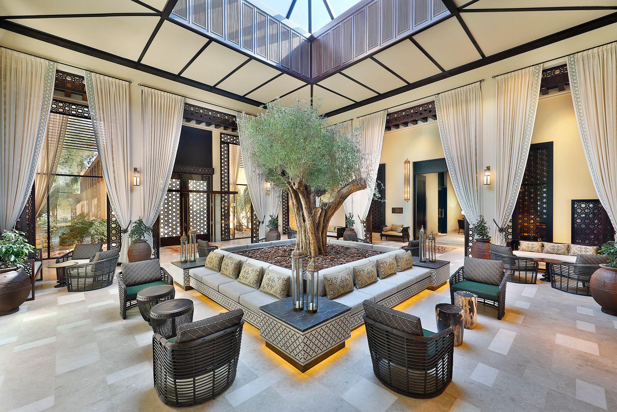 Ritz Carlton: Best Desert Resorts in UAE