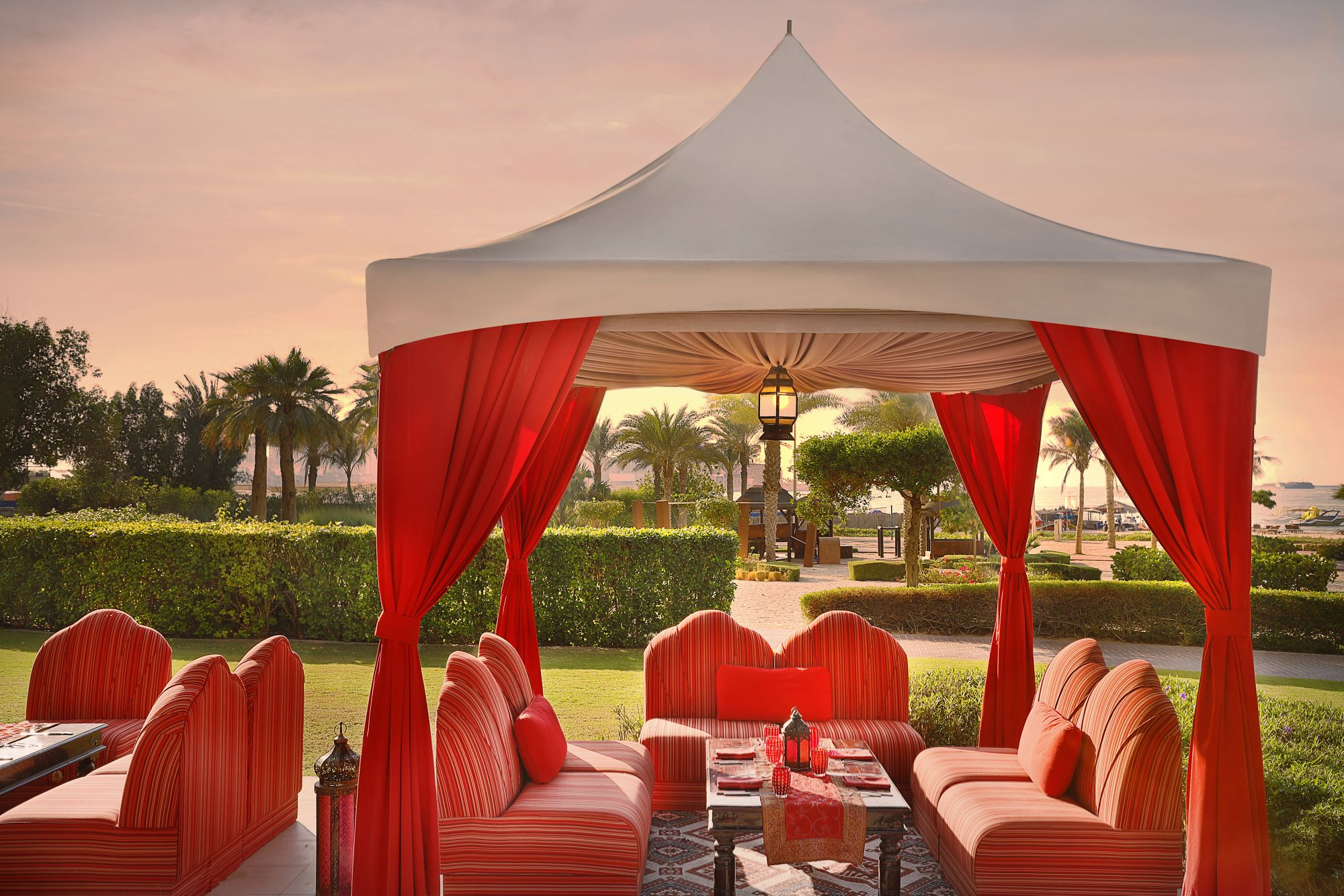 Nusret Dubai Karte.Arabic Restaurant Dining Dubai Outdoor Buffet Dubai