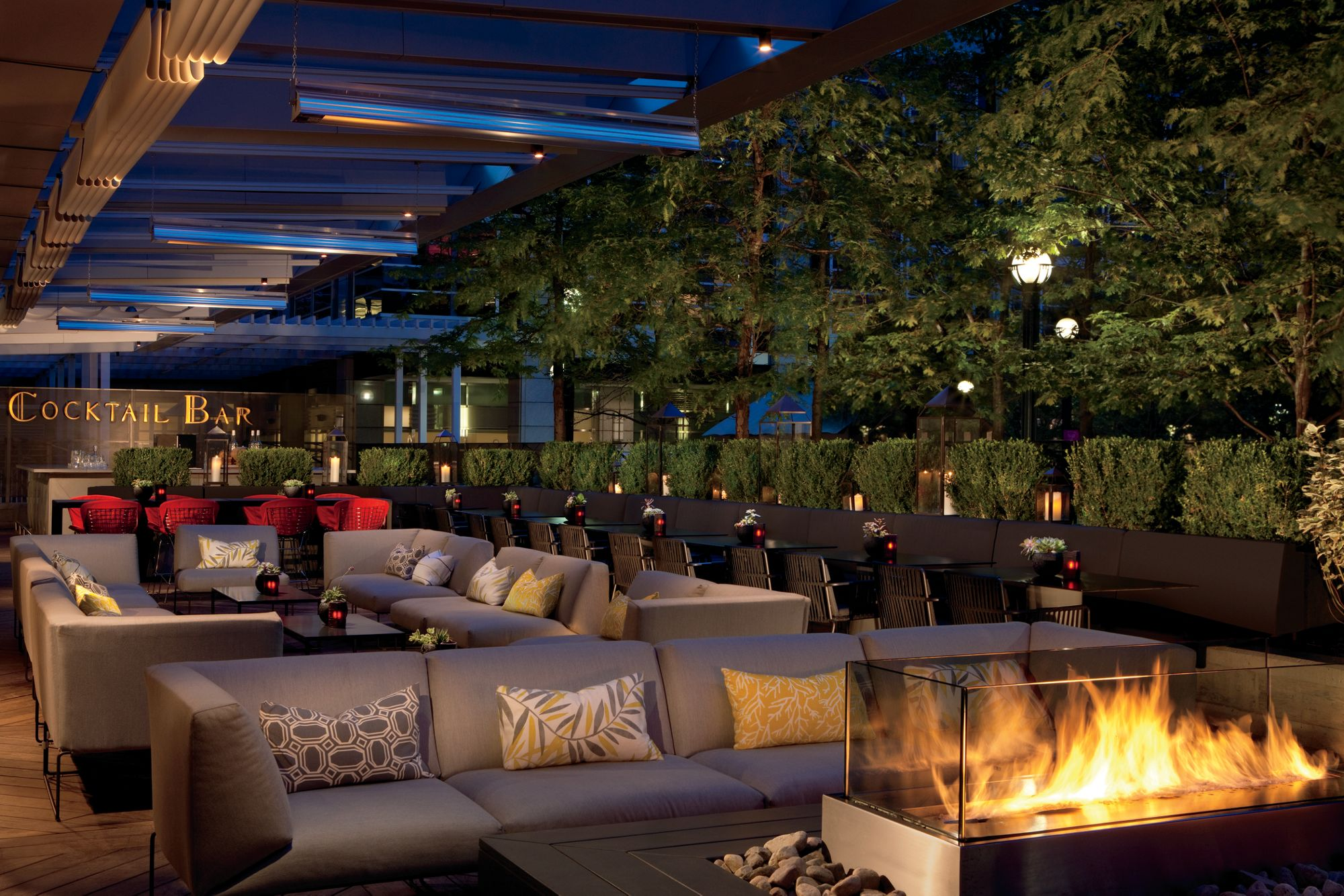 Superb Outdoor Patio Toronto Luxury Lounge Toronto Deq Terrace Home Interior And Landscaping Pimpapssignezvosmurscom