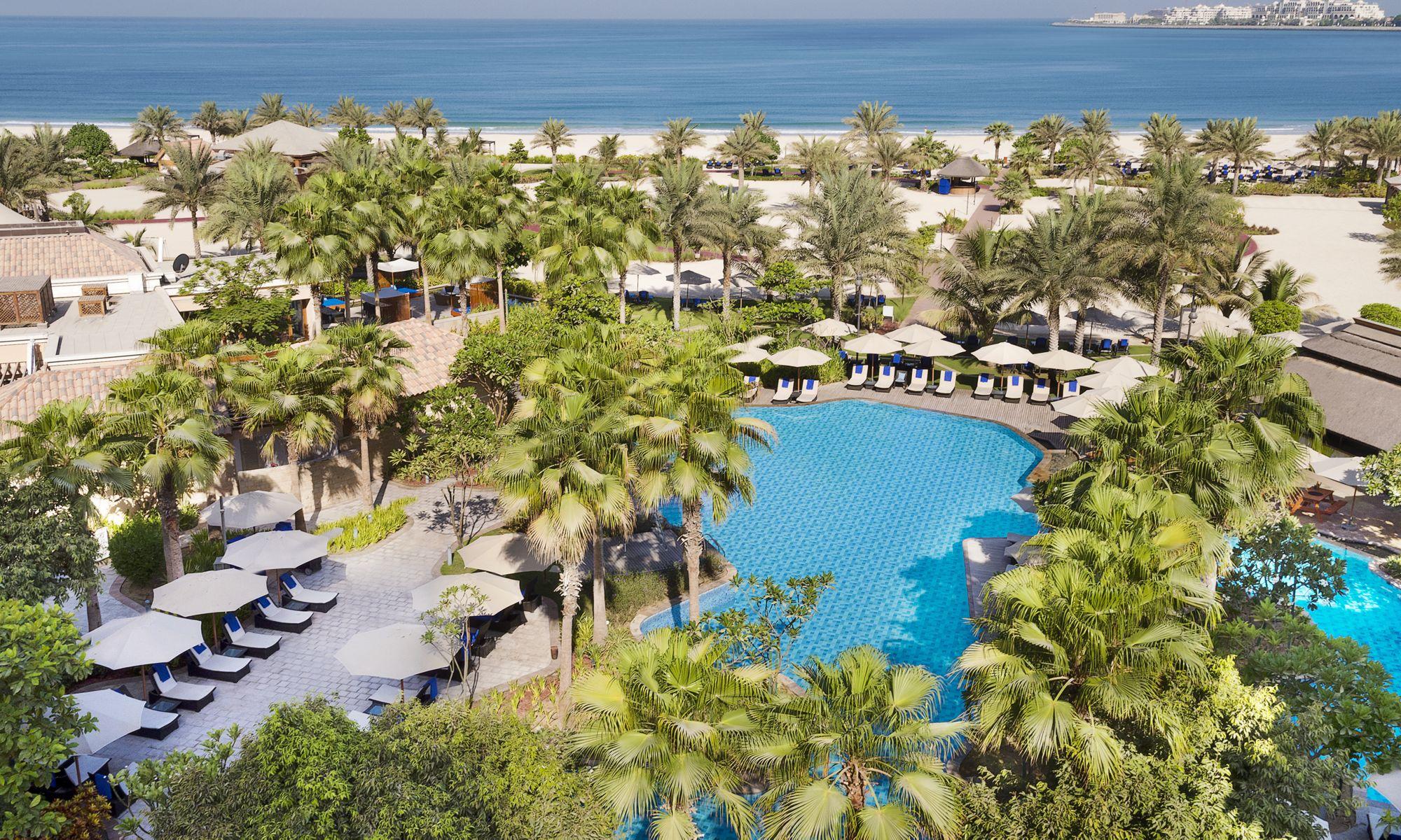 Five Star Beach Hotel In Dubai Marina The Ritz Carlton Dubai