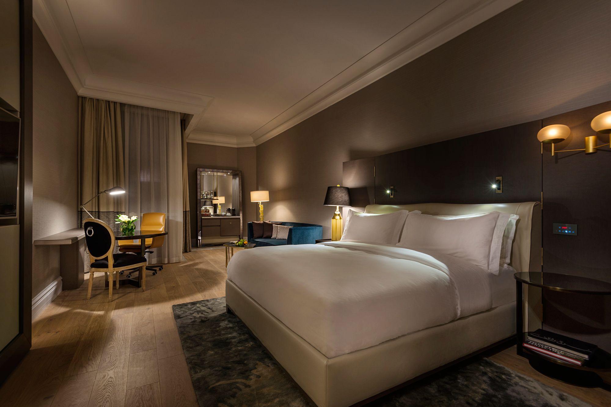 Deluxe Room in Doha, Qatar | The Ritz-Carlton, Doha
