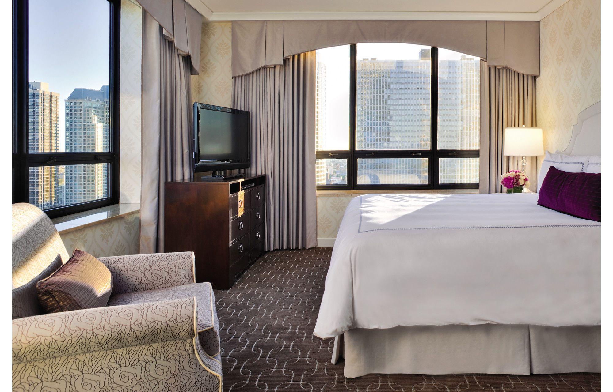 Sensational Executive Suite Chicago Suites The Ritz Carlton Chicago Download Free Architecture Designs Philgrimeyleaguecom