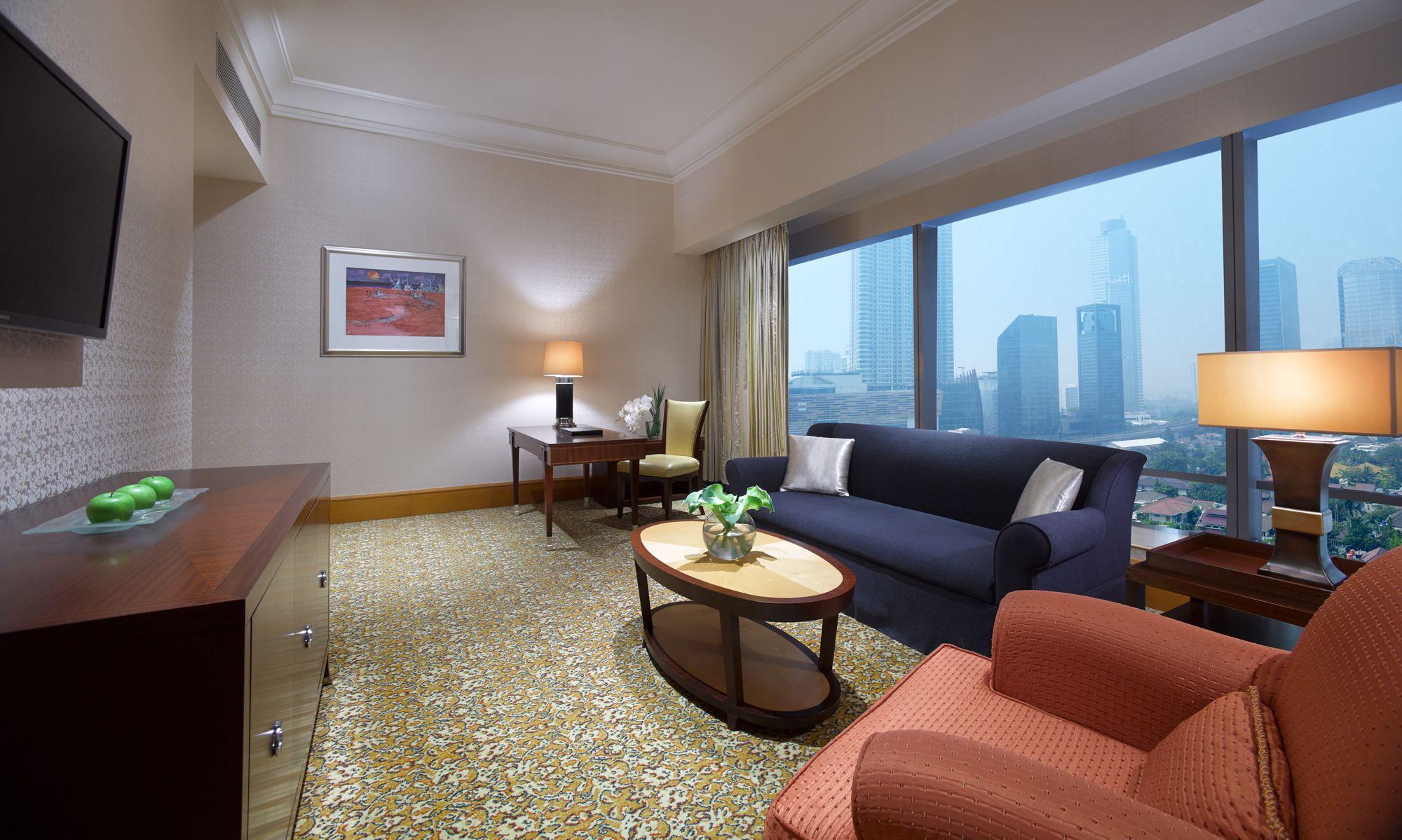 Mayfair Suite In Jakarta Indonesia The Ritz Carlton Jakarta Mega Kuningan