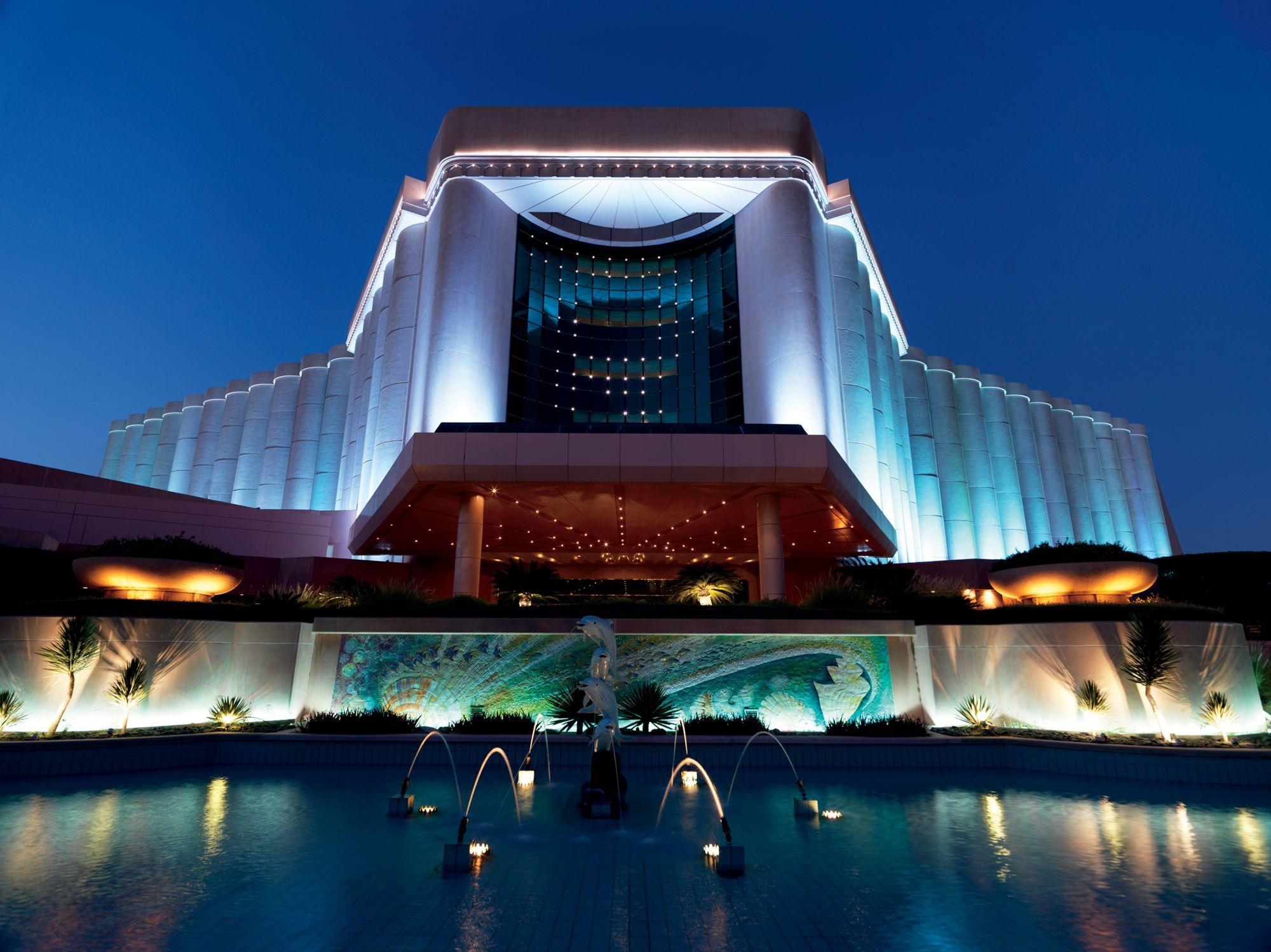 Luxury City Resort in Manama Bahrain | The Ritz-Carlton, Bahrain