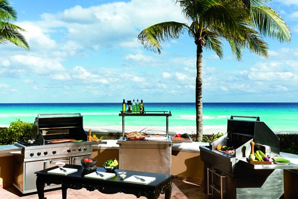 Ocean-facing outdoor grills with prep stations for cooks