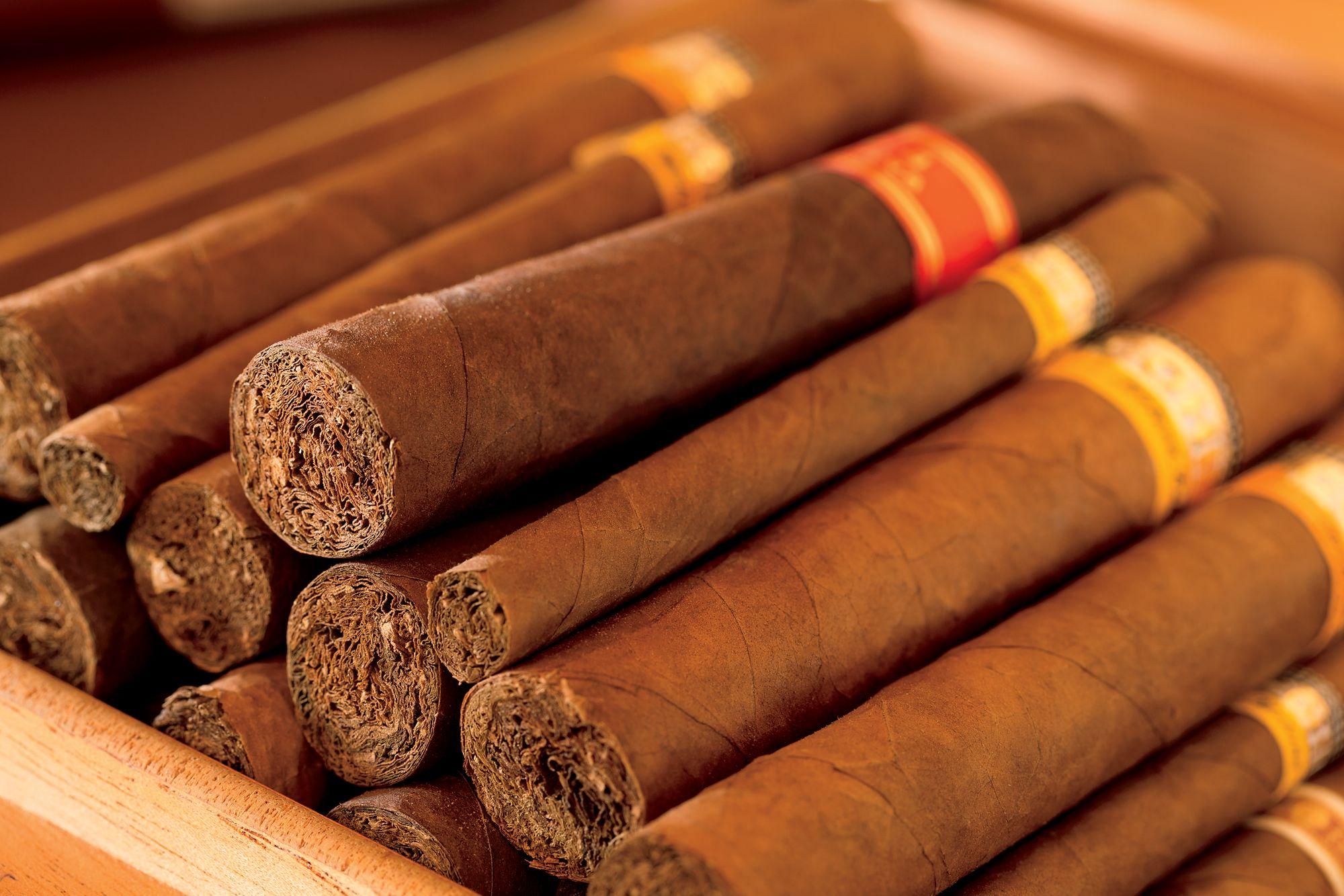 Whiskey Bar St  Louis | The Cigar Club