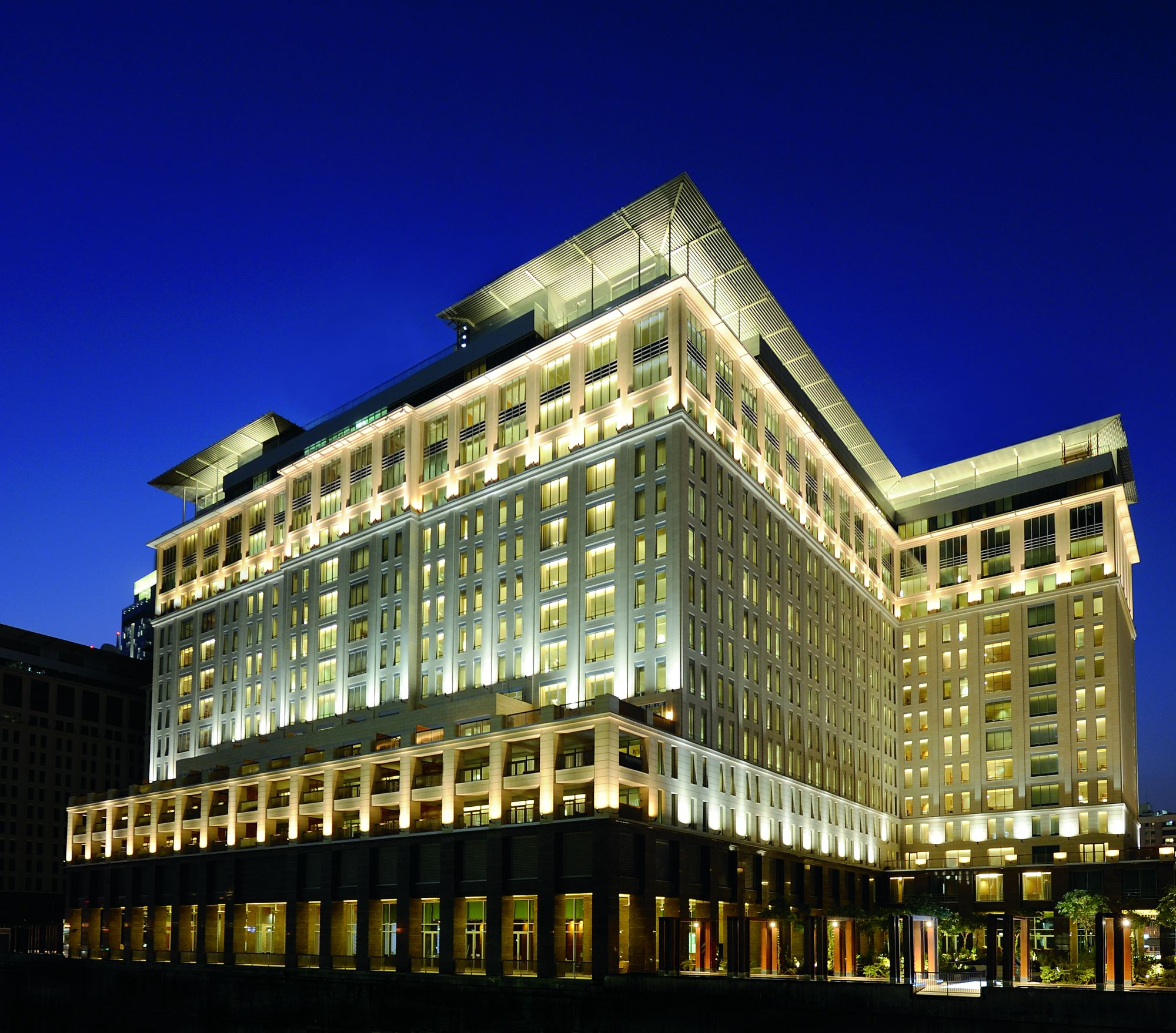 Luxury Hotels Sheikh Zayed Road | The Ritz-Carlton, Dubai